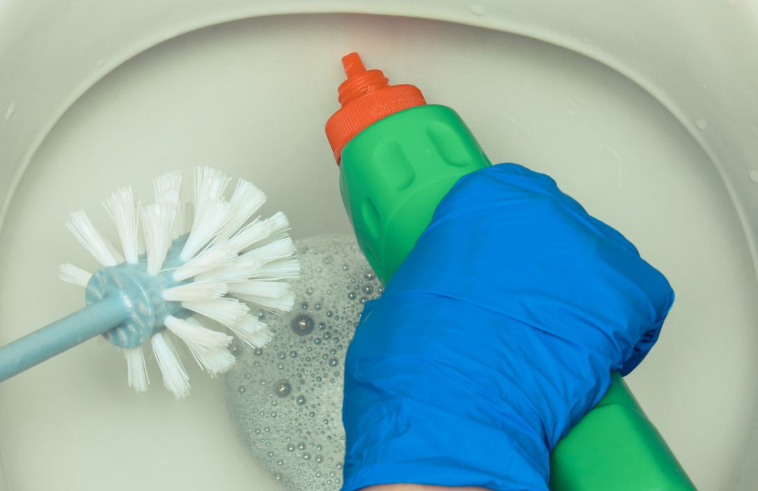 how to use rv toilet chemicals